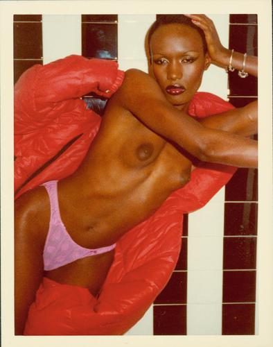 Grace Jones (de la série Black and White Shower), Paris, 1975.