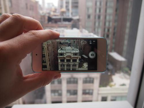 Apple iPod: How to use the Camera app for the iPod Touch