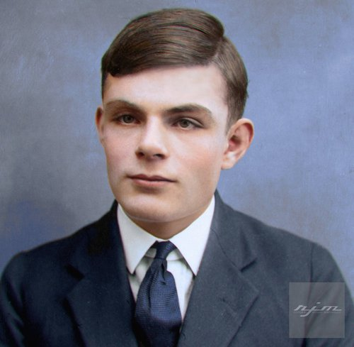 Photo Colorisée de Alan Turing (23 juin 1912 - 7 juin 1954)
