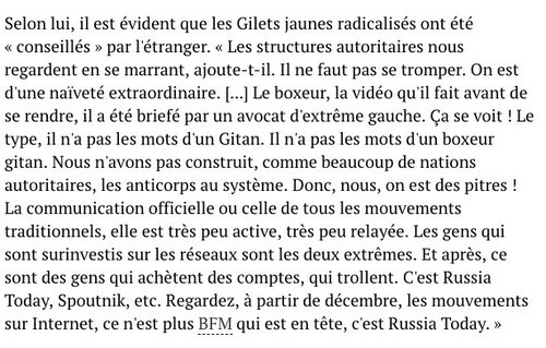 "Macron dans le ""off"" du journal Le Point"